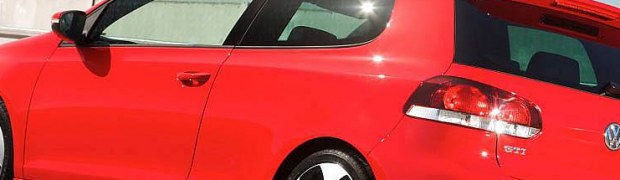 Golf: VW Golf GTI VI rouge (arriere)
